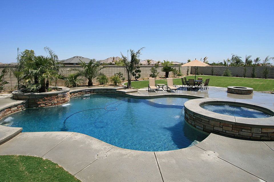 Custom pool and spa gallery paradise pools and spas for Spa and pool