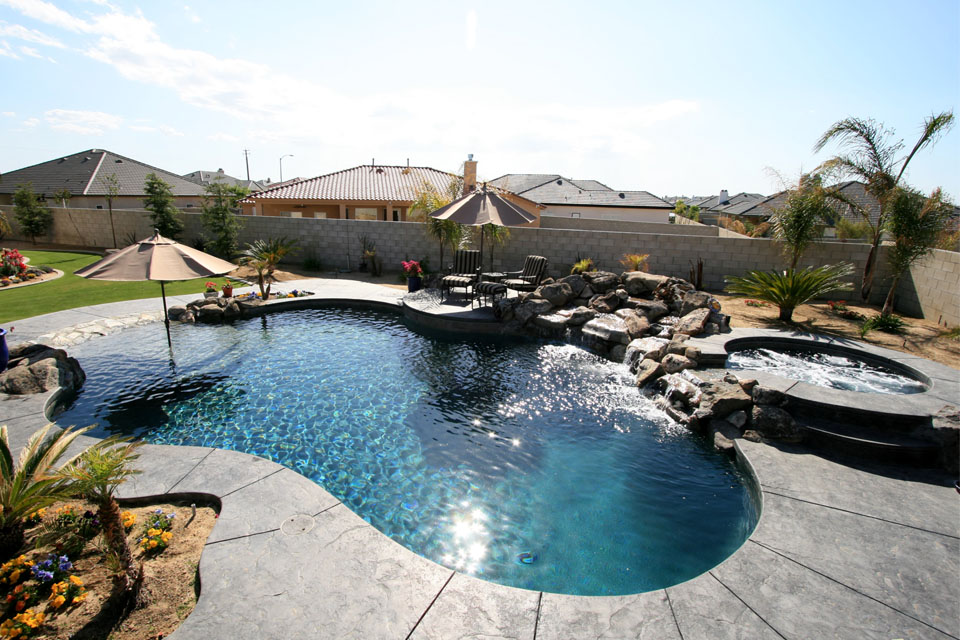 Custom pool and spa gallery paradise pools and spas for Custom pools