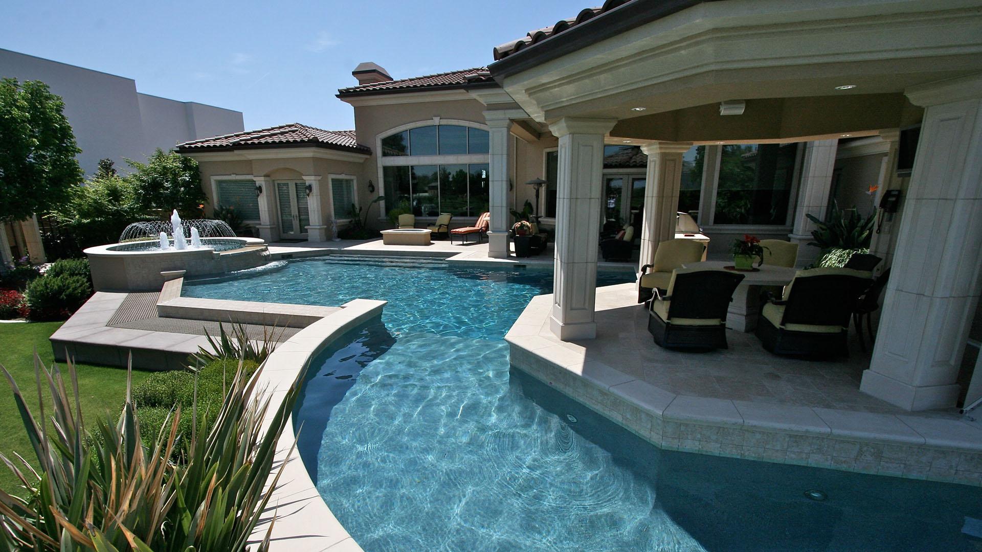Paradise Pool Slide 1