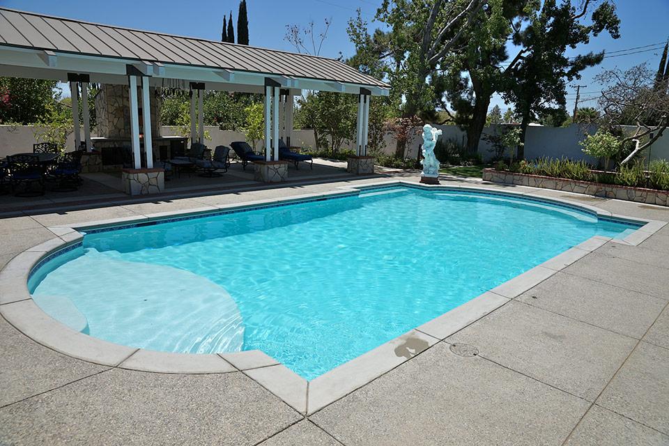 Grecian style swimming pool.