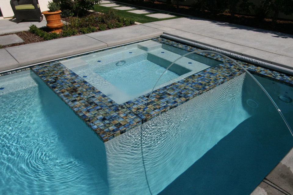 In-pool spa with water jets. Bakersfield, CA.