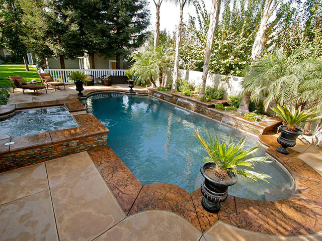 Beautifully remodeled California swimming pool by Paradise Pools & Spas.